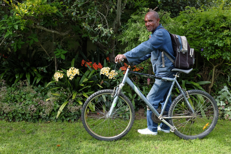 Fietsportret: Andrew Moses (tuinier, 55)